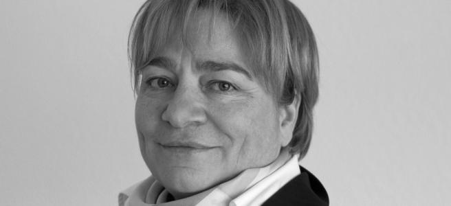 """Warum dürfen sich Frauen auf die Zukunft der Arbeitswelt freuen, Martina Schraudner? """"Weil mit der Arbeit in Netzwerken mehr Kommunikationskompetenzen gefragt sind"""" (Foto: Fraunhofer Institut)"""